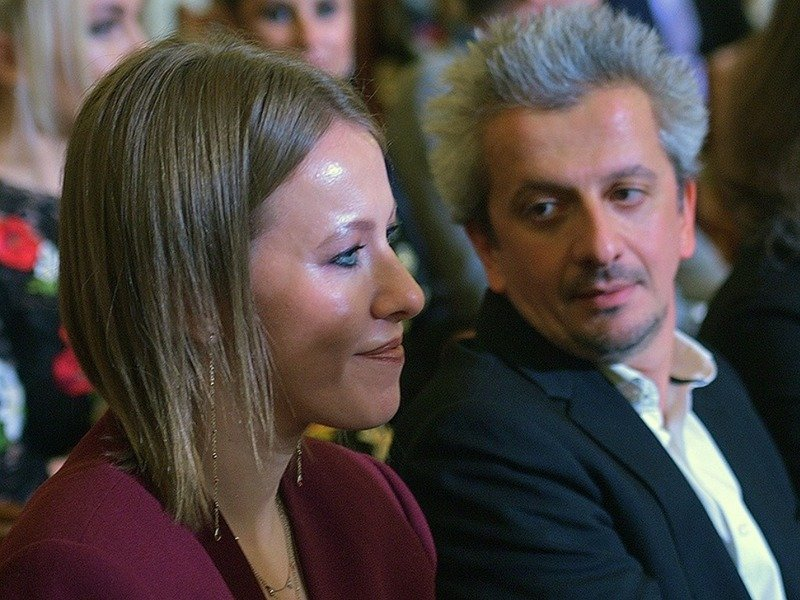 Finally Konstantin Bogomolov publicly confessed his love to Ksenia Sobchak