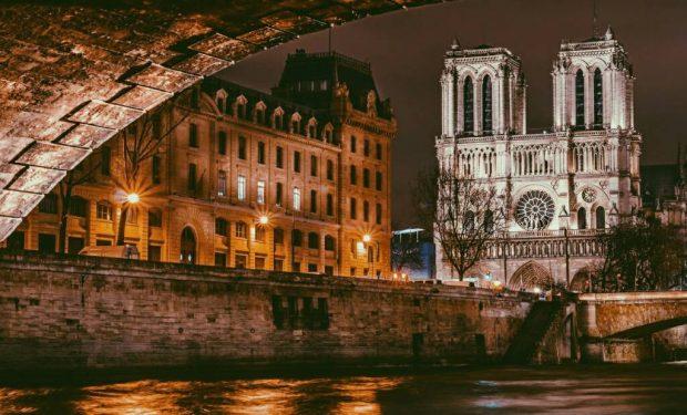 собор парижской богоматери гюго