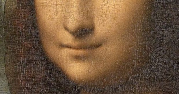 Улыбка Моны Лизы крупным планом