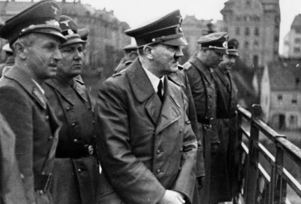 Адольф Гитлер и Борман