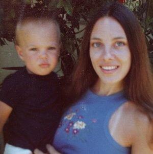 Анджелина Джоли с матерью