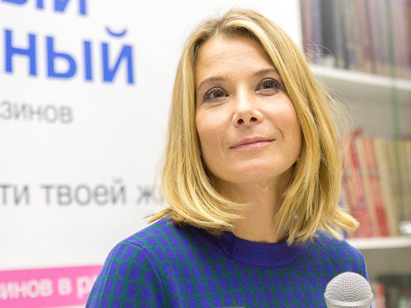 Юлию Высоцкую