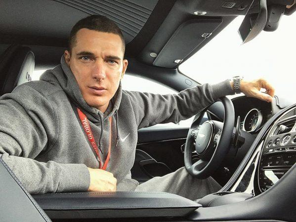 Курбан Омаров в машине