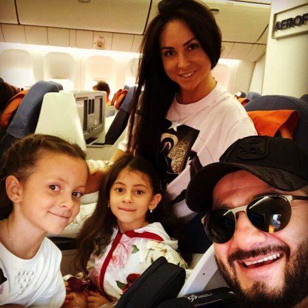 Михаил Галустян с семьёй
