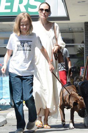 Джоли с дочерью