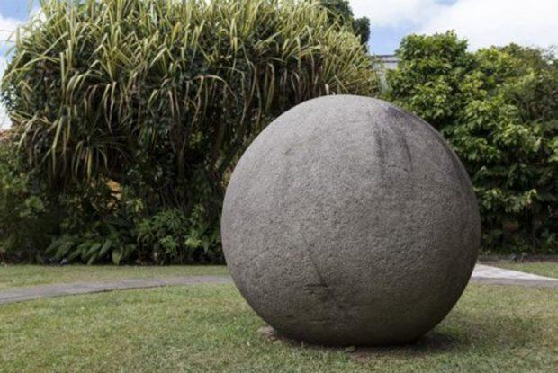 Каменный шар в Коста-Рике