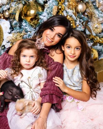 Ксения Бородина с дочерьми