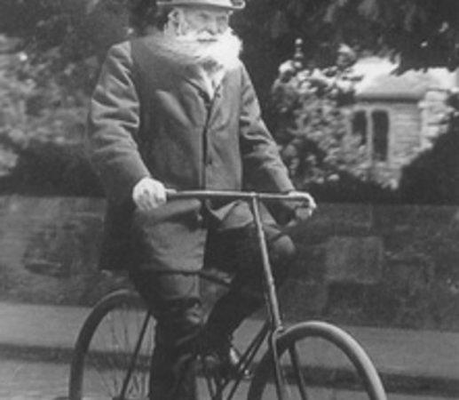 Джон Дунлоп на велосипеде