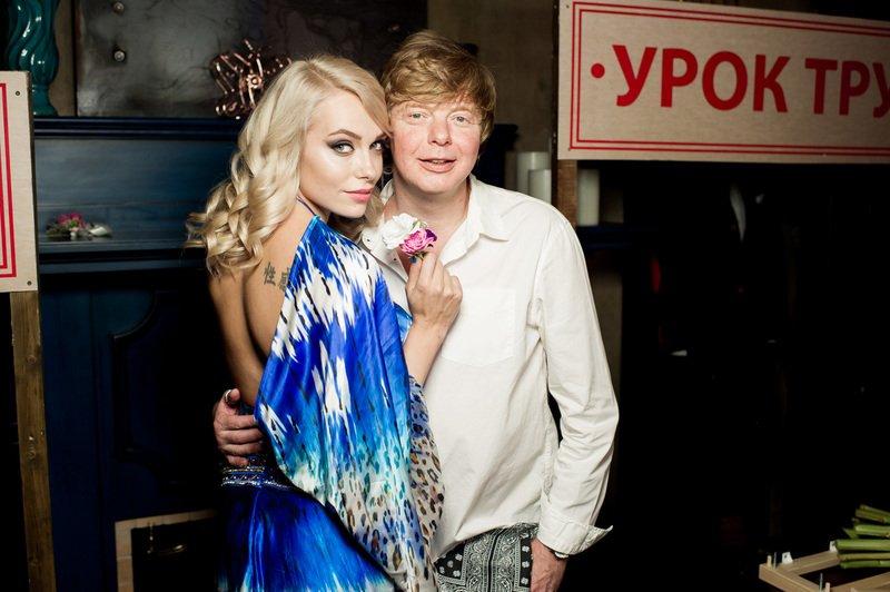Жена рыжего из «Иванушек» подала на развод