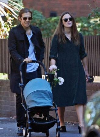 Кира Найтли с супругом