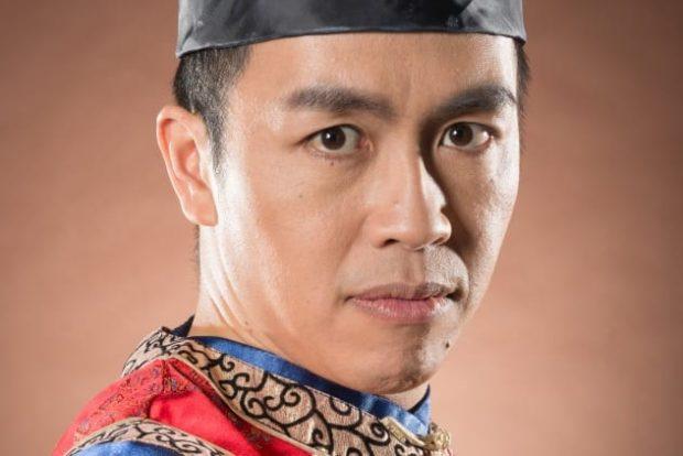 Мужчина-азиат