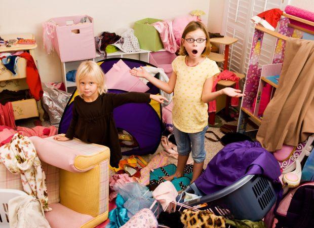 дети в беспорядке