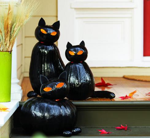 Чёрные кошки из тыкв