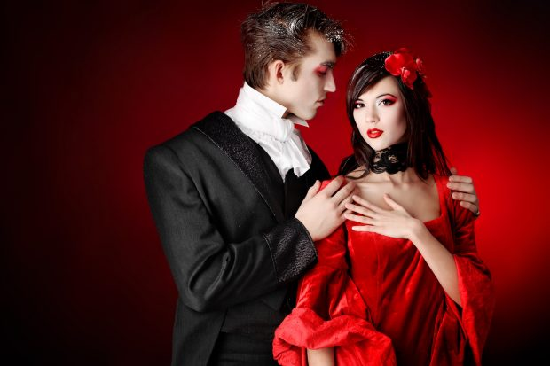 хэлоуиновский костюм вампиры