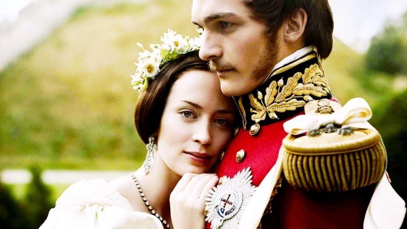 7 исторических фильмов о сильной женщине во главе королевства