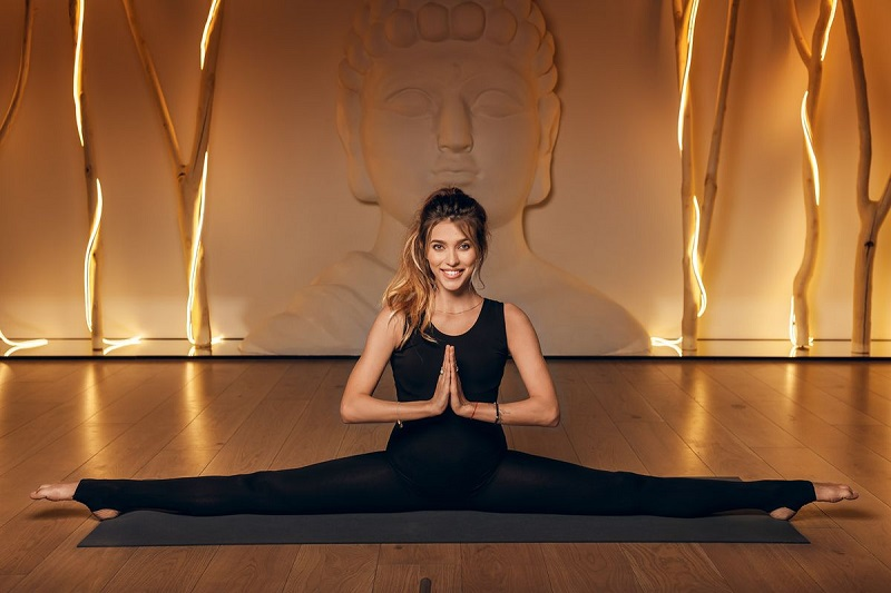 Регина Тодоренко – йога