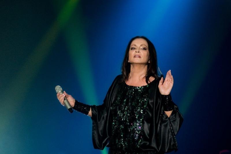 7 звезд, которые падали в обморок на своем концерте