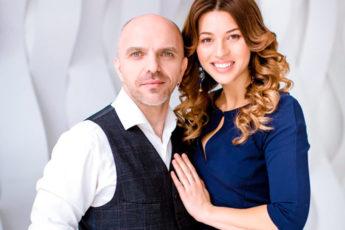 Александр Шоуа с женой