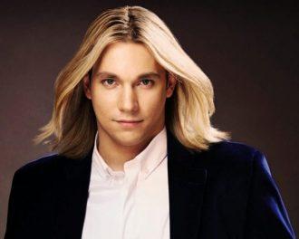 Сынишки российских знаменитостей, которые покоряют своей красивой внешностью